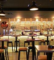 Maxx Music Bar