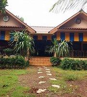 Koh Mak Sportsbar Restaurant & Bakery