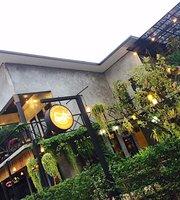 Lan 9 Cafe & Restuarant