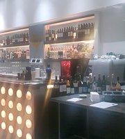 Pequeño Restaurant & Wine Bar