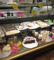 Honey Bear Cake and Ice Cream Parlour
