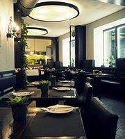 Kazimir Restaurant & Bar