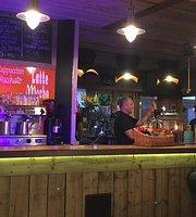 Cafe/Bar 21