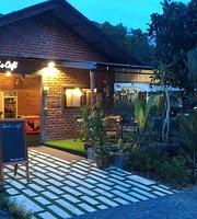 Lanta's Cafe