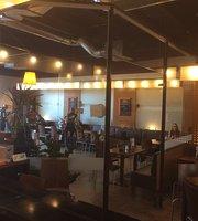 Oscar's Bistro & Cafe