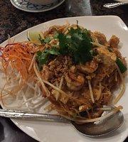 Manora's Thai Cuisine Restaurant