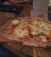 Industria Pizzeria + bar Anjou