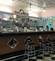 Mom & Pop's Soda Shop & Eatery