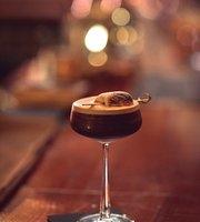 Churchill cocktail saloon