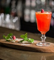 La Plume Bar & Lounge