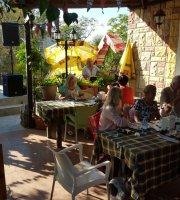 Hati's Cafe