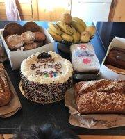 Una M's Cakes