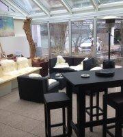 Renner Restaurant & Lounge