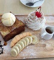 C Cat Cafe