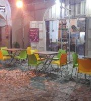 Chaharsoogh Cafe & restaurant