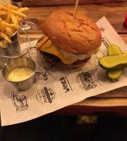 Firma Pickles Burgers & Wines Rotterdam