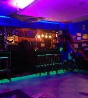 Bardak Pub