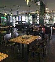 Excelent Urban Pub Koley