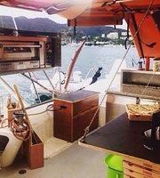Pizz boat