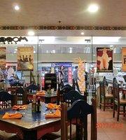 Mooon Cafe
