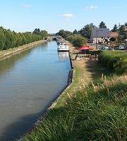 Monsleur Thibaud Huet (Le Cafe Du Canal )