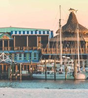 AJ's Seafood & Oyster Bar on the Destin Harbor