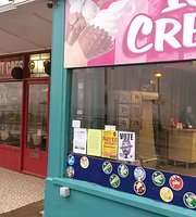 The Beach Hut Cafe & Ice Cream Parlour