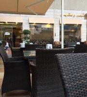 Mono Restaurant & Cafe