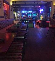 Crazy Kim Bar-Restaurant-School