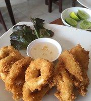 Pui Relax Restaurant & Bar