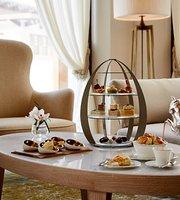 Al Mandhar Lounge