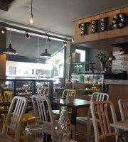 Tilo Cafe