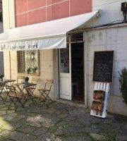 A Mesa Cafe