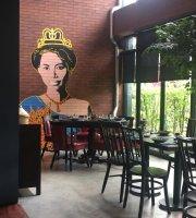 Sri Trat Restaurant & Bar