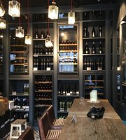 Leo Hillinger Wineshop & Bar Munich
