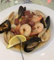 FINS Seafood & Dive Bar