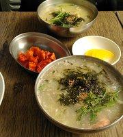 Dongmyeong Kalguksu