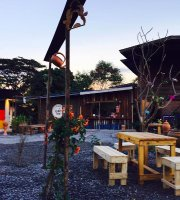 Moom Tuek Bar&Restaurant
