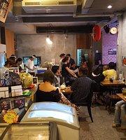 Jazz Sushi at Nont