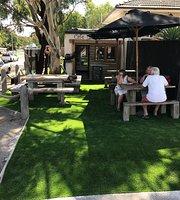 Cafe La Hoot