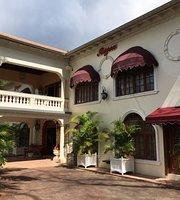 Rayon Hotel