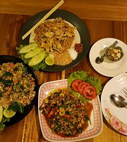Baan Chomlay by Chananikarn Thai Local Style & Halal Foods