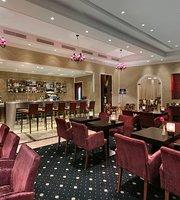 Le Salon Bar & Lounge