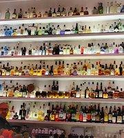 Zum Kuss - Caffe Kultur Bar