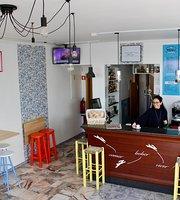 Cafe & Bar Mane