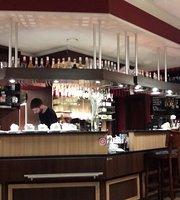 Croissant Cafe