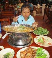 Duck Huong Lua Restaurant