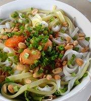 Huong Que Restaurant