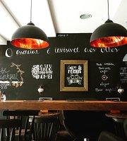 Lar Café