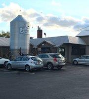 Hafner's Restaurant & Tavern